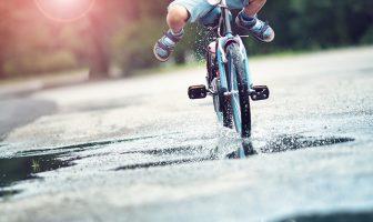 Nevarna vožnja s kolesom