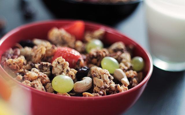 Malica - oreščki in sadje