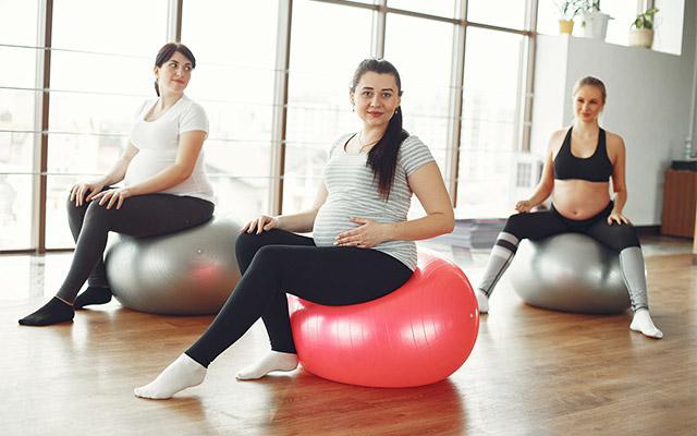 Pilates med nosečnostjo